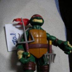 Figuras y Muñecos Tortugas Ninja: TORTUGA NINJA GRAN TAMAÑO CON ARMAS. Lote 144714974