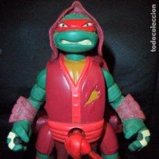 Figuras y Muñecos Tortugas Ninja: RAPHAEL THROW N' BATTLE - TORTUGAS NINJAS - TNMT - 2013 VIACOM - FIGURA DE ACCION - TORTUGA NINJA-- . Lote 153108510