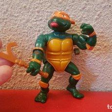 Figuras y Muñecos Tortugas Ninja: FIGURA TORTUGAS NINJA 1990 PLAYMATES MUÑECO A CUERDA Y CON ARMA MUEVE GIRA BRAZO FUNCIONA. Lote 158980874