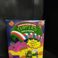 Figuras y Muñecos Tortugas Ninja: TORTUGAS NINJA PARACAÍDAS - BANDAI - NUEVO. Lote 159592062