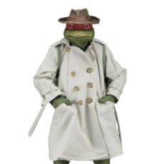 Figuras y Muñecos Tortugas Ninja: NECA FIGURA RAPHAEL CON DISFRAZ TEENAGE MUTANT NINJA TURTLES ESCALA 18 - 2018 ORIGINAL NUEVA 40.CM. Lote 171633383