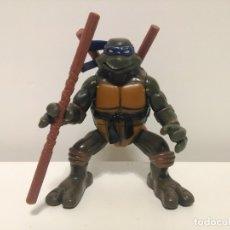 Figuras y Muñecos Tortugas Ninja: FIGURA DE DONATELLO DE LAS TORTUGAS NINJA CON MOVIMIENTO DE VOLTERETA LATERAL. Lote 174242192