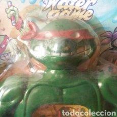 Figuras y Muñecos Tortugas Ninja: TORTUGA NINJA JUEGO DE AGUA.UNICO VISTO. EN SU BLISTER. AÑOS 90. MÁS GRANDE DE UN PALMO.. Lote 174313692