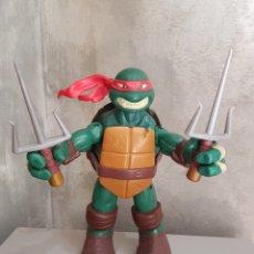 Figuras y Muñecos Tortugas Ninja: TORTUGA NINJA / GRANDE 25 CM / AÑO 2012 / VIACOM / PLAYMATES TOYS. Lote 175981423