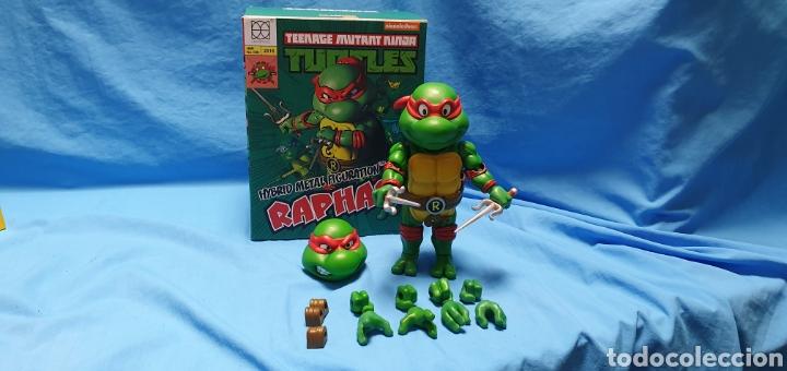 Figuras y Muñecos Tortugas Ninja: Figura raphael turtles hybrid metal tortugas ninja viacom 2016 + regalo . Ver - Foto 2 - 177425317