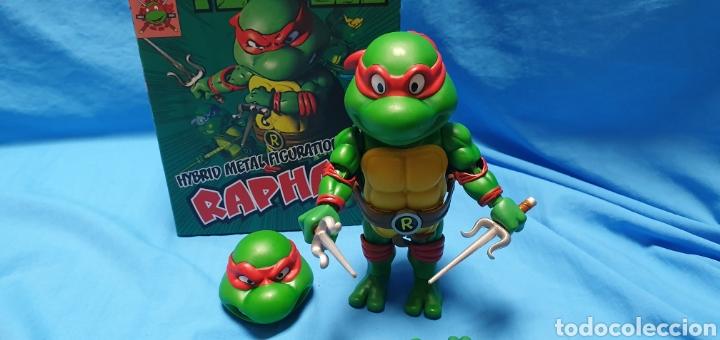 Figuras y Muñecos Tortugas Ninja: Figura raphael turtles hybrid metal tortugas ninja viacom 2016 + regalo . Ver - Foto 4 - 177425317