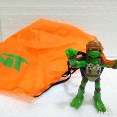 Figuras y Muñecos Tortugas Ninja: TMNT MICHELANGELO DE 2008, CON PARACAÍDAS. . Lote 177558087