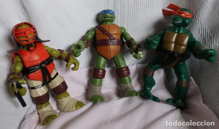 TRES TORTUGAS GRANDES, 26CM PLAYMATES 2012, 2014 Y SIN MARCAR (Juguetes - Figuras de Acción - Tortugas Ninja)
