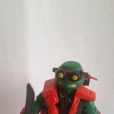 Figuras y Muñecos Tortugas Ninja: FIGURA TORTUGA NINJA / VIACOM - 2013 / MIDE 11 CMS / MUY NUEVA . Lote 184835067