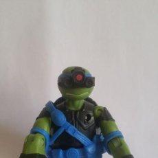 Figuras y Muñecos Tortugas Ninja: FIGURA TORTUGA NINJA / VIACOM - 2013 / MIDE 11 CMS / MUY NUEVA . Lote 184837033