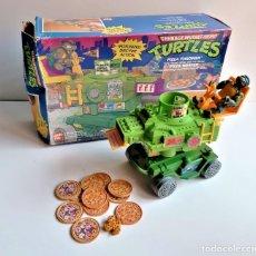 Figuras y Muñecos Tortugas Ninja: PLAYMATES T M TORTUGAS NINJA EN CAJA FIGURA CONJUNTO JUEGO PIZZA LANZADOR. Lote 194334894