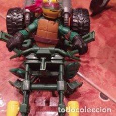 Figuras y Muñecos Tortugas Ninja: TORTUGA NINJA RAPHAEL CON MOTOCICLETA DE VIACOM DEL AÑO 2012.. Lote 198675327
