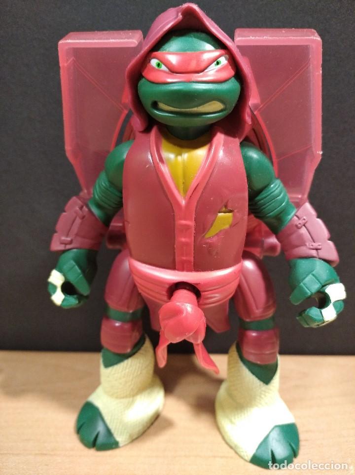 Figuras y Muñecos Tortugas Ninja: FIGURA TORTUGAS NINJAS RAFAEL THROW N BATTLE-15cm aprox.-VIACOM-2013-VER FOTOS-V1 - Foto 2 - 200039851
