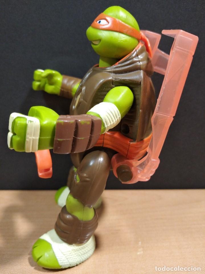 Figuras y Muñecos Tortugas Ninja: FIGURA TORTUGAS NINJAS MICHELANGELO THROW N BATTLE-15cm aprox.-VIACOM-2013-VER FOTOS-V1 - Foto 6 - 200040191