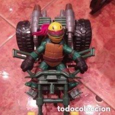 Figuras y Muñecos Tortugas Ninja: TORTUGA NINJA RAPHAEL CON MOTOCICLETA DE VIACOM DEL AÑO 2012.. Lote 200085298