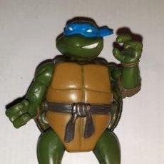 Figuras y Muñecos Tortugas Ninja: TORTUGA NINJA LEONARDO TRANSFORMABLE PLAYMATES TOYS 2003. Lote 204066806