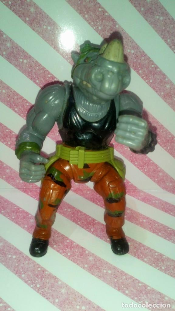 FIGURA ROCKSTEADY, CON SU CINTURON, DE LAS TORTUGAS NINJA - TEENAGE MUTANT NINJA TURTLES - 1988 (Juguetes - Figuras de Acción - Tortugas Ninja)