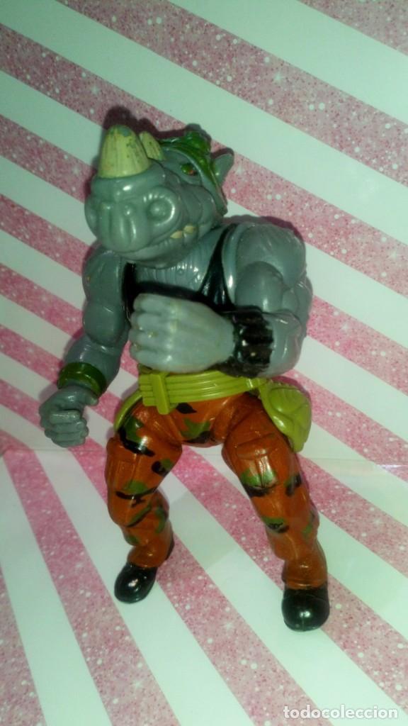 Figuras y Muñecos Tortugas Ninja: FIGURA ROCKSTEADY, CON SU CINTURON, DE LAS TORTUGAS NINJA - Teenage Mutant Ninja Turtles - 1988 - Foto 2 - 205865697