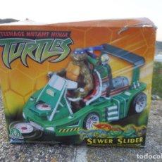 Figuras e Bonecos Tartarugas Ninja: TEENAGE MUTANT NINJA TURTLES SEWER SLIDER VEHÍCULO CONTROL DESLIZANTE EN CAJA PLAYMATES 2002. Lote 217014197