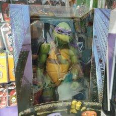 Figuras y Muñecos Tortugas Ninja: FIGURA DONATELLO 42CM PELICULA 1990 NECA TORTUGAS NINJA. Lote 221808266
