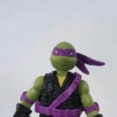 Figuras y Muñecos Tortugas Ninja: FIGURA TORTUGA NINJA ARTICULADA PLAYMATES. Lote 225315040