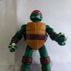 Figuras y Muñecos Tortugas Ninja: TORTUGA NINJA DE 28 CM DE ALTURA CON ARMAS Y SE METE LA CABEZA. Lote 228501830