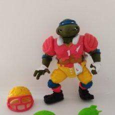 Figurines et Jouets Tortues Ninja: TORTUGAS NINJA LEONARDO COMPLETO - LEO TOUCHDOWN TOSSIN - PLAYMATES 1990 - TMNT - FUTBOL AMERICANO. Lote 234175065