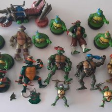 Figuras y Muñecos Tortugas Ninja: LOTE FIGURA TORTUGAS NINJA PLAYMATES MUÑECO AÑO 90 COMANSI MOTO MIRAGE GOMA LLAVERO PIN SACAPUNTAS. Lote 236017675