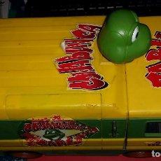 Figuras y Muñecos Tortugas Ninja: ANTIGUA FURGONETA COWABUNGA CARL DE LAS TORTUGAS NINJA DE GRAN TAMAÑO PLAYMATES 2006. Lote 238710165