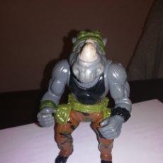 Figuras e Bonecos Tartarugas Ninja: FIGURA DE ACCION PLAYMATE TORTUGAS NINJA VILLANO AÑOS 90 ROCKSTEADY RINOCERONTE BOXEADOR. Lote 252835530