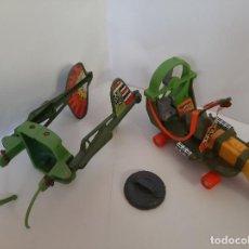 Figuras e Bonecos Tartarugas Ninja: TORTUJAS NINJA TMNT, LOTE PATINETE Y VEHÍCULO VOLADOR, MIRAGE STUDIOS, PLAYMATES TOYS, 1988. Lote 261344470