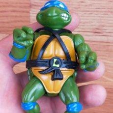 Figuras y Muñecos Tortugas Ninja: FIGURA ACCION TORTUGAS NINJA LEONARDO CON UN ARMA 1988. Lote 265191199