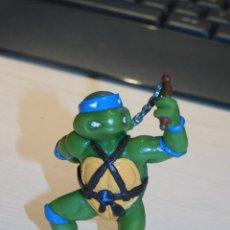 Figuras y Muñecos Tortugas Ninja: FIGURA LEONARDO DE LAS TORTUGAS NINJA. MIRAGE ESTUDIOS/ YOLANDA. MIDE 8,5 CM. 4 FOTOS. Lote 294025893