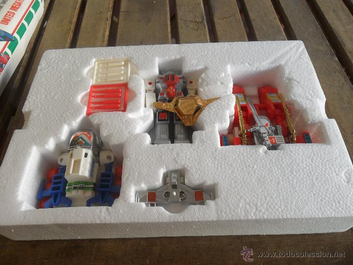 Figuras y Muñecos Transformers: ROBOT Y NAVES TRANSFORMERS EN SU CAJA DE LUXE CHOGOKIN UNITED MEGATANK - Foto 2 - 245157645