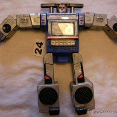 Figuras y Muñecos Transformers: ANTIGUO TRANSFORMERS RADIO TRANSISTOR - DIFICIL DE ENCONTRAR - EN BUEN ESTADO Y FUNCIONANDO PERFECTA. Lote 40727441