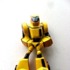 Figuras y Muñecos Transformers: TRANSFORMERS BUMBLEBEE KINDER HASBRO 2009. Lote 41226585