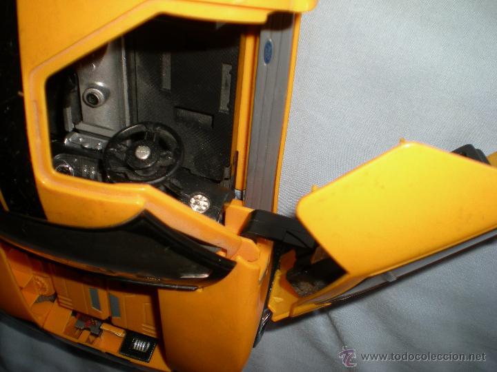 Figuras y Muñecos Transformers: coche grande BUMBLEBEE DE TRANSFORMERS PARA REPARAR O PIEZAS MIRA FOTOS - Foto 10 - 51460523