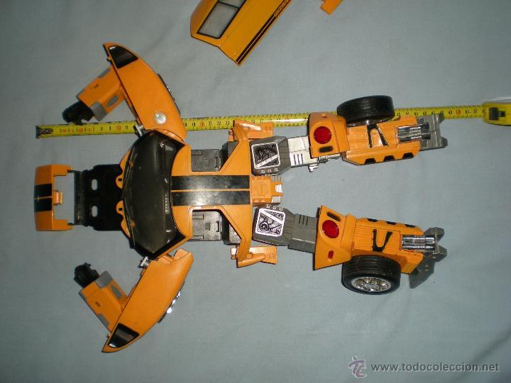 Figuras y Muñecos Transformers: coche grande BUMBLEBEE DE TRANSFORMERS PARA REPARAR O PIEZAS MIRA FOTOS - Foto 15 - 51460523