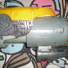 Figuras y Muñecos Transformers: PUÑO BUMBLEBEE CON SONIDO Y LUZ SEGUNDA ENTREGA EN CINES DE TRANSFORMERS FUNCIONANDO. Lote 177756045