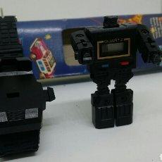 Figuras y Muñecos Transformers: RELOJ ROBOT TRANSFORMER SIN USO Y COMPLETO. ORIGINAL AÑOS 80. CAJA, CORREA Y RELOJ. BUEN ESTADO. Lote 69789567