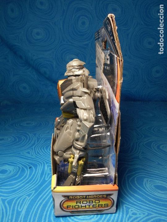 Figuras y Muñecos Transformers: ROBO FIGHTERS STARSCREAM DECEPTION, HASBRO 2011 A ESTRENAR !! - Foto 4 - 74101107