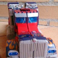 Figuras y Muñecos Transformers: TRANSFORMERS OPTIMUS PRIME VOYAGER PARA PIEZAS. Lote 89592504