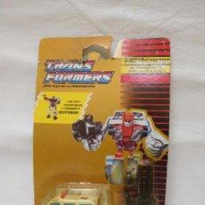 Figuras y Muñecos Transformers: TRANSFORMERS PROTECTOBOT AUTOBOT FIRST AID FURGONETA. Lote 96338051