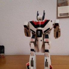Figuras y Muñecos Transformers: TRANSFORMER AVION DE CAZA A ROBOT JETFIRE AÑO 1985 EN BUEN ESTADO COMPLETO. Lote 106657179