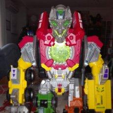 Figuras y Muñecos Transformers: ROBOT TRANSFORMERS HASBRO 2008. CON LUZ Y SONIDO. Lote 107313186