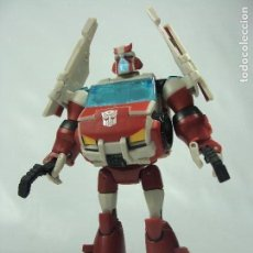 Figuras y Muñecos Transformers: RATCHET - AUTOBOT MEDIC - DELUXE CLASS - TRANSFORMERS ANIMATED - 2008. Lote 121111695