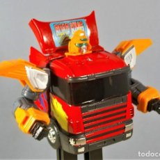 Figurines et Jouets Transformers: CAMION SCANIA VOLVO ROAD KING TRUCK - TRANSFORMER EN METAL 18 CM. CHINA VINTAGE RARO MUY BUEN ESTADO. Lote 121822731