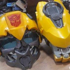 Figuras y Muñecos Transformers: LOTE CABEZA CASCO Y PUÑO TRANSFORMERS BUMBLEBEE VOICE MIXER HASBRO FUNCIONANDO. Lote 122556703