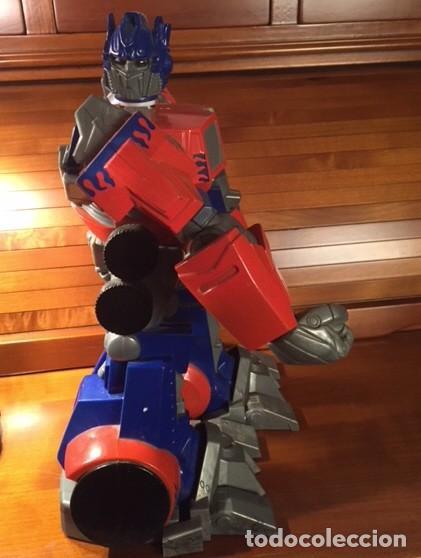 Figuras y Muñecos Transformers: ROBOT TRANSFORMER HASBRO 2008 OPTIMUS PRIME BOTELLA 28CMX23CM15CM - Foto 4 - 136745902