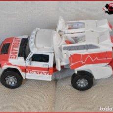 Figuras y Muñecos Transformers: FRA2 56 - TRANSFORMERS HASBRO 2007 - TRANSFORMER RESCUE RATCHET AMBULANCIA AMBULANCE. Lote 138666574